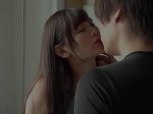 イケメンとキスでとろける女子